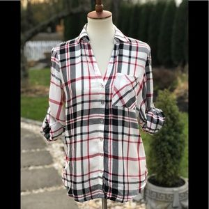 Tops - Plaid button down shirt with button up sleeves
